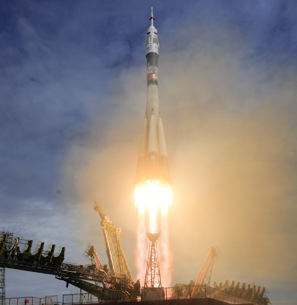 Soyuz_TMA-1tM_liftoff
