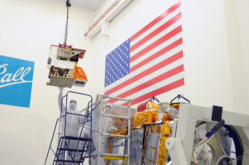 CrIS being lifted over the NPP Satellite before being integrated into the Spacecraft Bus System - Photo: NASA/Ball Aerospace