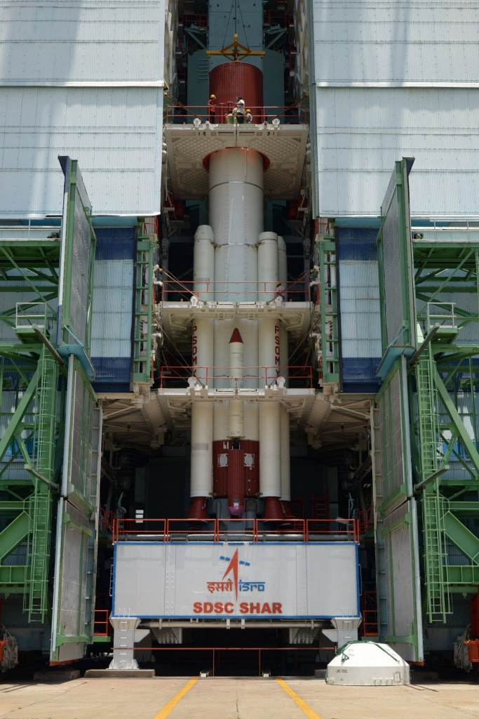 fully-integrated-pslv-c30-core-stage-with-strap-ons-mobile-service-tower
