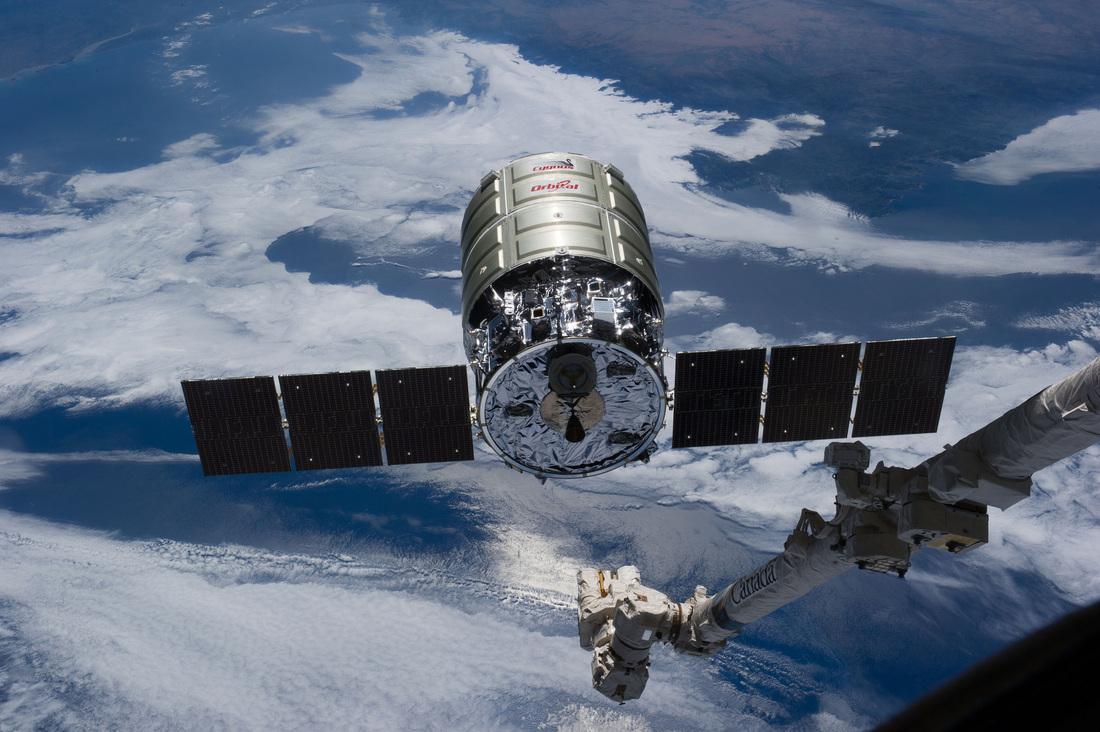 spacecraft or spacecrafts - photo #47