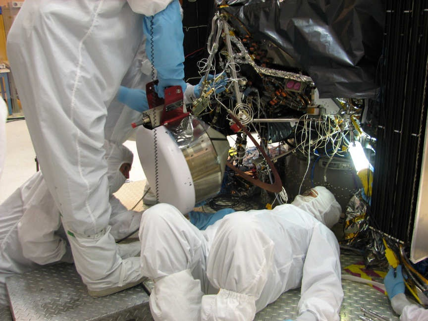 Flight Thruster Installation - Photo: NASA