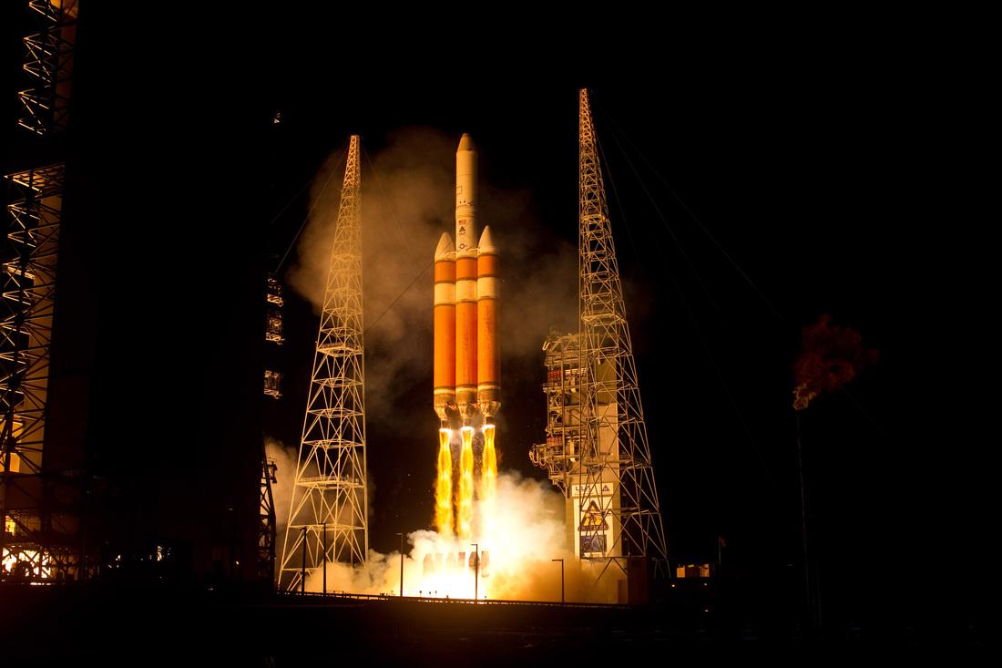 Delta IV Heavy – Rockets